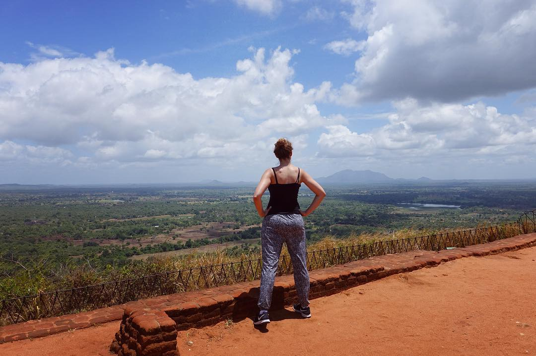 This photo proves a few things 1) I did indeed make it to the top 2) views in Sri Lanka are ridiculously beautiful and 3) I've started to make some back gains- more to go #tourist #srilanka #rockpalace #travel #wanderlust